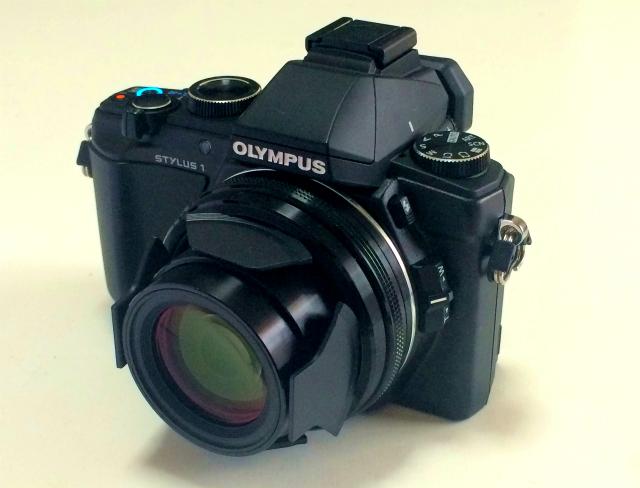 【カメラ買ったよ!】鳥も撮れる料理も撮れる OLYMPUS「STYLUS 1」開封の儀