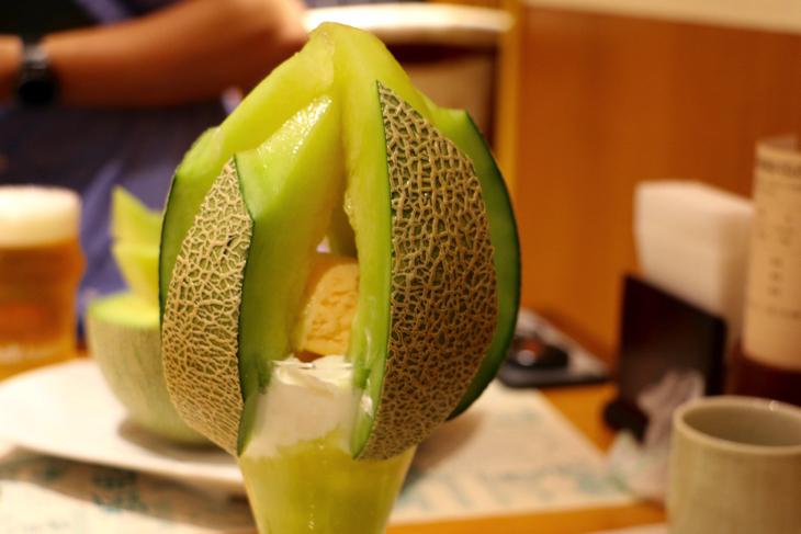 【銀座】今が旬!数量限定イバラキングメロンパフェは贅沢の極みパフェ