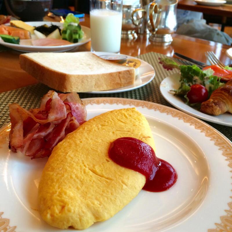 【ヨコハマ グランド インターコンチネンタルホテル】横浜港を見ながらブッフェでふわとろオムレツ朝食を