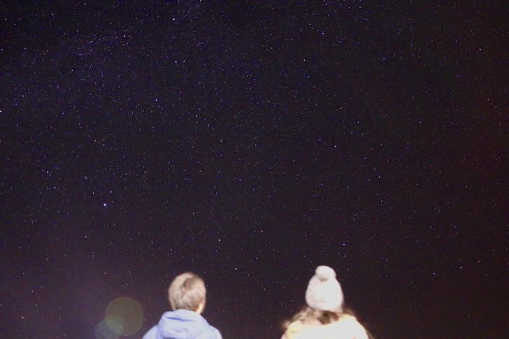 【御蔵島さんぽ】ランチを食べて島散策・夜は満天の星空を見に行こう!【PR】