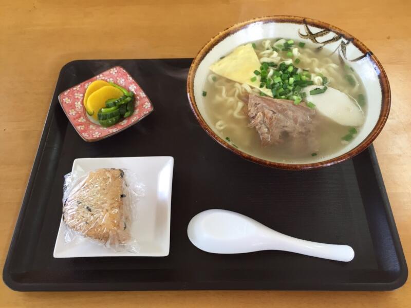 【沖縄】ちんすこうを買いに来たはずがいつの間にか沖縄そばを食べてた話