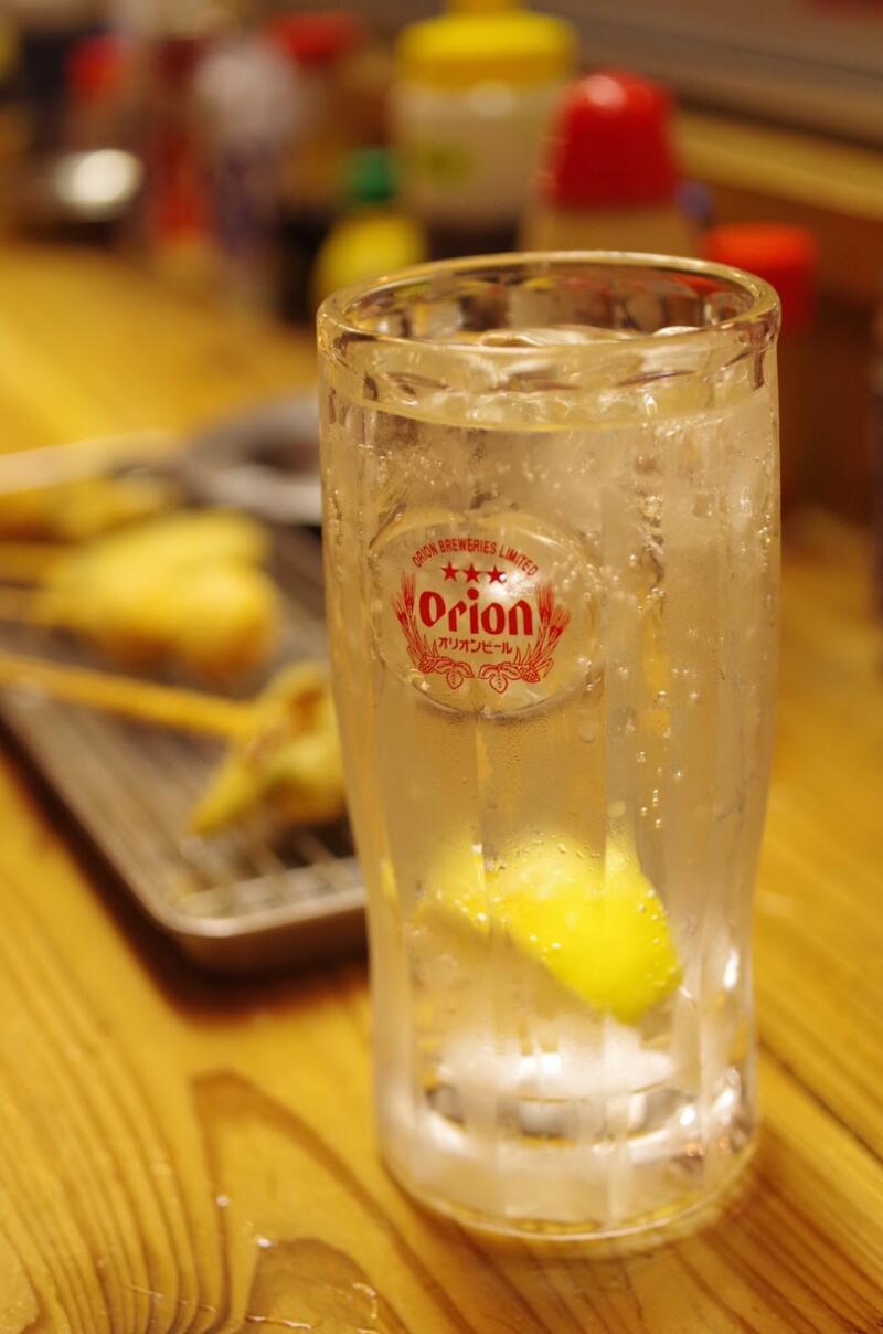 【沖縄】那覇の国際通りの立ち飲み屋で