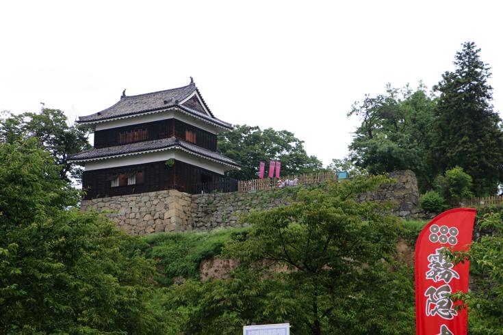 【真田丸さんぽ①】信州の名城・上田城跡公園へ。崖を利用した難攻不落の城は南側からの眺めがおすすめ