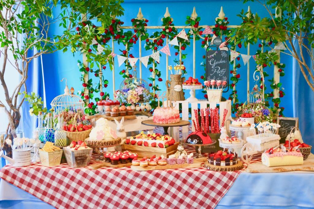 「いちごに恋するガーデンパーティー」~ストロベリーデザートブッフェ
