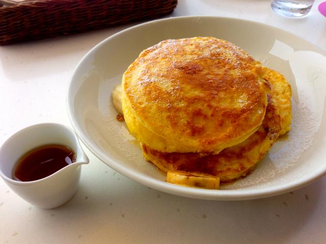 【神奈川県鎌倉市】数多の試練をかい潜り、bills七里ヶ浜のテラス席でリコッタパンケーキを食す