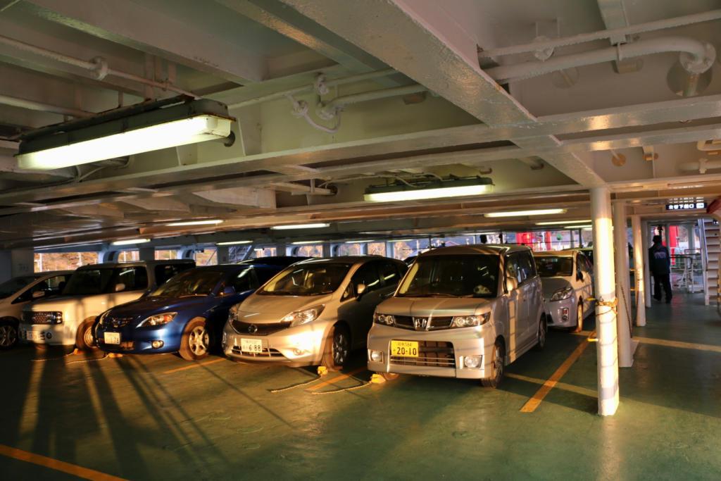 東京湾フェリーは自動車やバイクでフェリーに乗り込む