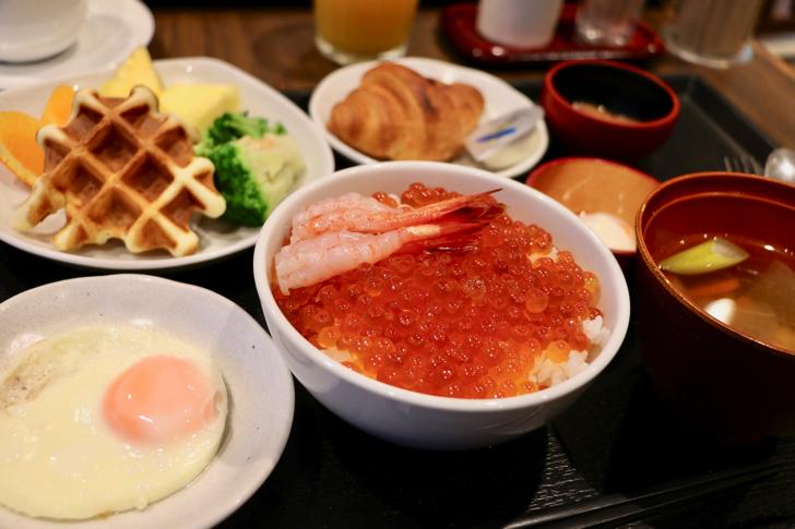 【宿泊記】ドーミーインPREMIUM小樽でいくら盛り放題の朝食バイキング!