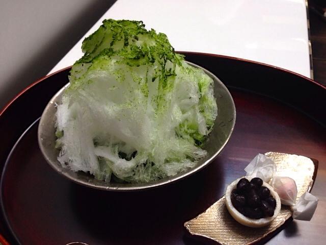 有機栽培の抹茶のかき氷セット (700円)