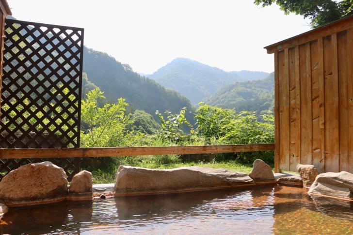 雨飾荘の露天風呂