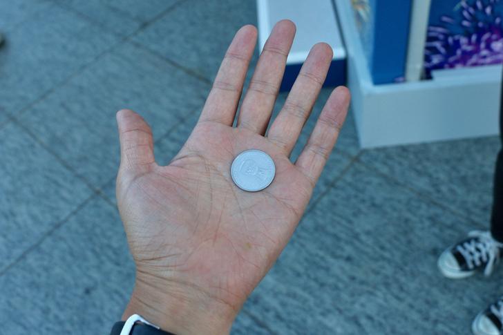専用ゴミ箱に捨てるともらえるコイン