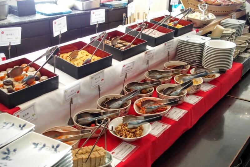 【1/3まで3,000円でおせち食べ放題】ホテル龍名館東京で28品目のおせちビュッフェ