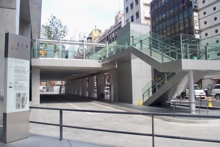 GINZA SIXの観光バス乗降所