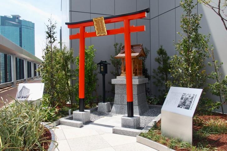 ギンザシックス屋上ガーデン稲荷神社