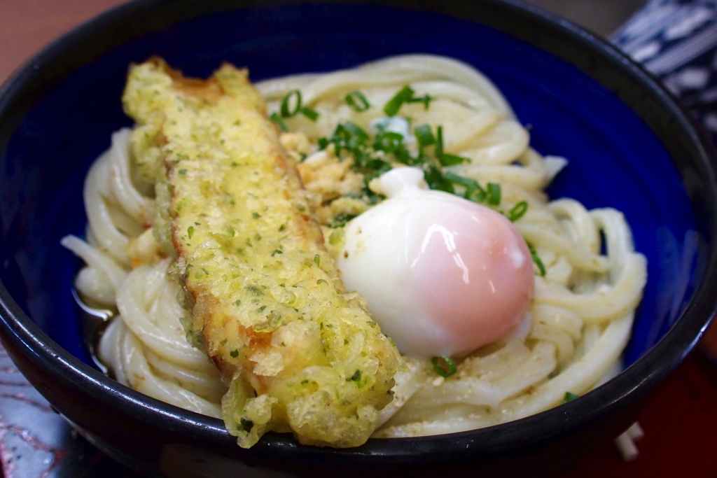 "【Kagawa Udon Sanpo 1】 Business hours are 1! I have eaten delicious bukkake udon at ""sunrise noodle shop"""