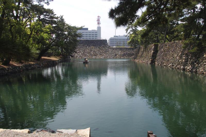 【香川県高松市】お堀でまさかの鯛と並走!? 玉藻公園で「城舟体験」をしてきたよ