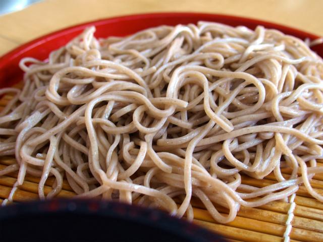 【山梨県忍野八海】お土産を買うと無料で食べられる「名泉そば製麺所」