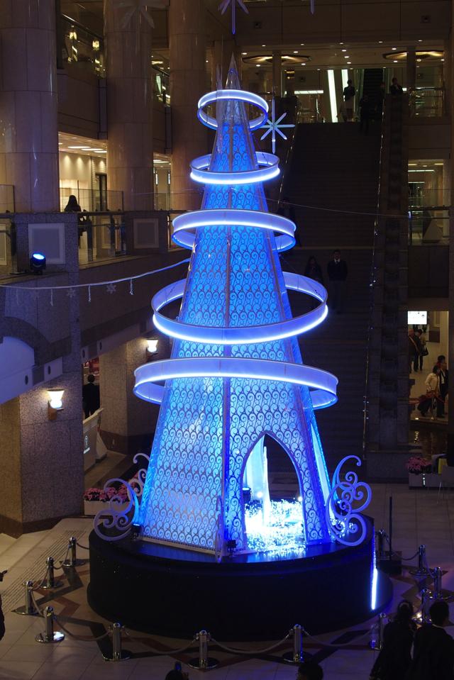 【11/13~12/25】来年には実写版が公開!横浜ランドマークタワーでシンデレラのクリスマスツリー