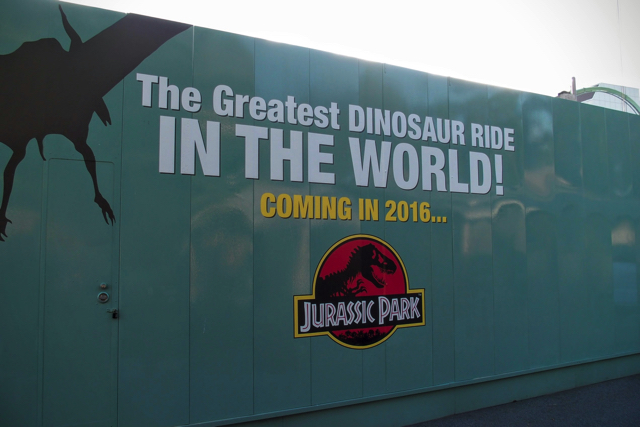 he Greatest DINOSAUR RIDE
