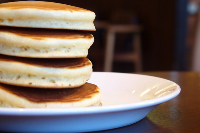 PC130277dennys pancakes