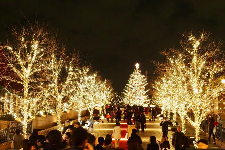 昔ながらのクリスマスツリーとバカラシャンデリアにうっとり!恵比寿ガーデンプレイスウィンターイルミネーション2016