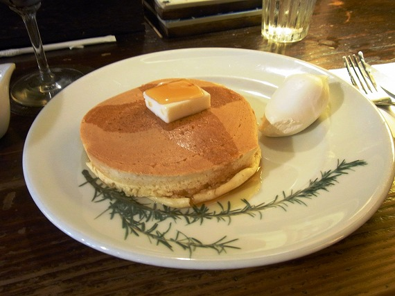 【外苑前】昔ながらの喫茶店「香咲」でパンケーキを食べてきた