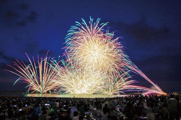 ぎおん柏崎まつり海の大花火大会(新潟県柏崎市)