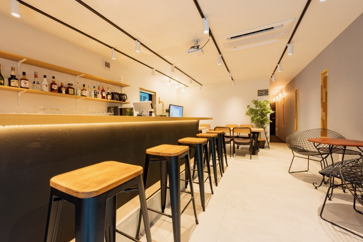 &AND HOSTELlounge3