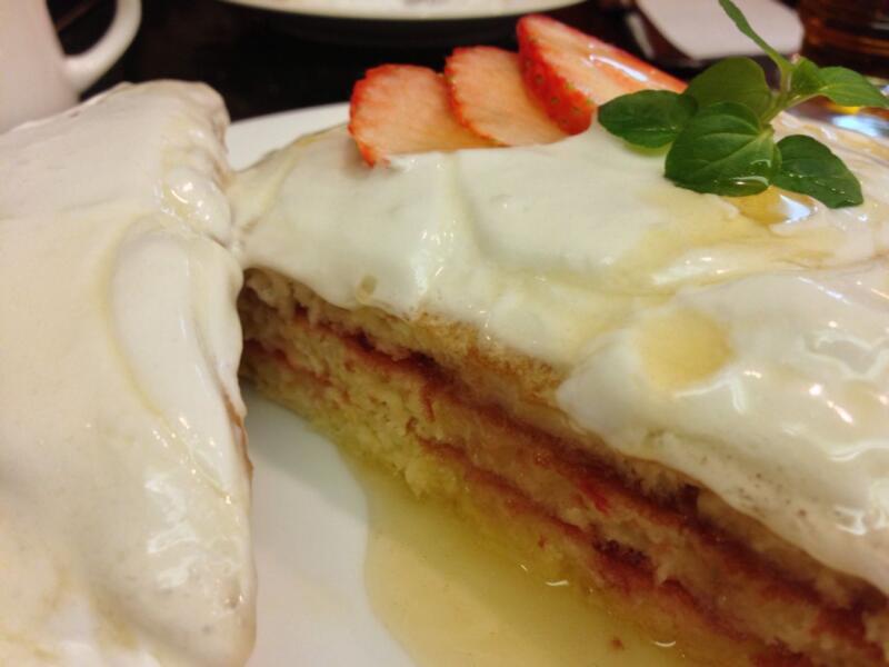 【銀座】昔ながらの喫茶店でスノーホワイトパンケーキを食す