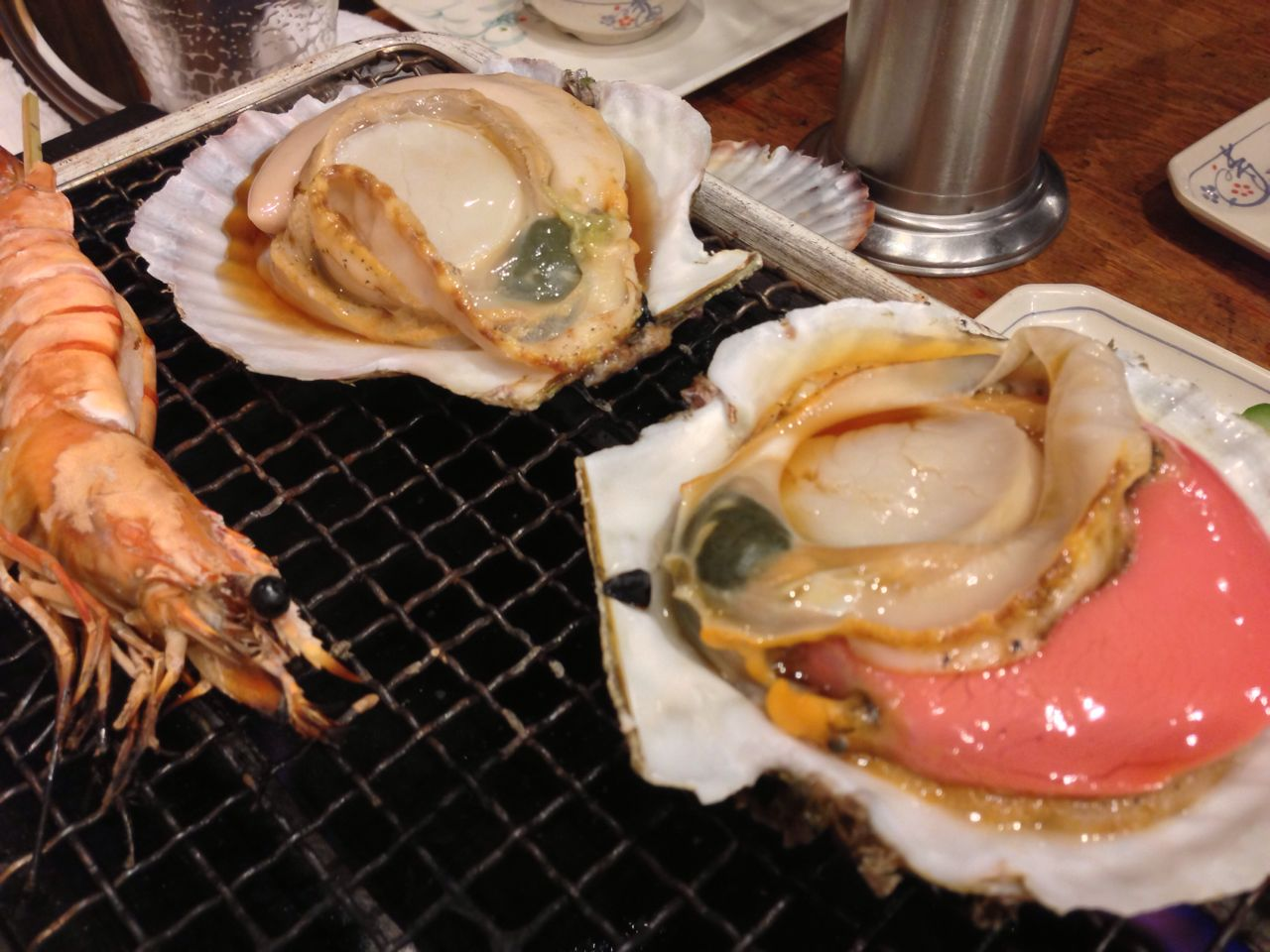 [Shinjuku West Exit memories Yokocho] have been grilled with fresh scallops in Toro-Hako!