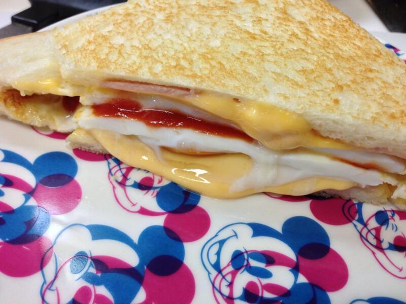 食パン一枚でベーコンエッグトーストサンドを作ったら簡単で美味しかった件