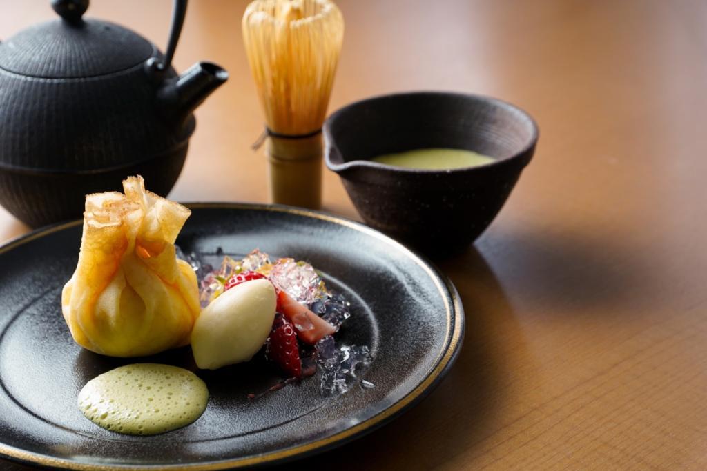 ふわふわクリームチーズの茶巾仕立て 宇治抹茶の香りと共に 軽井沢マリオットスタイル